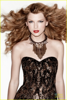 Taylor Swift Cover Girl on Taylor Swift 2012 Cover Girl Photoshoot