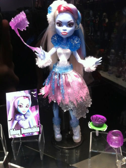 Abbey Ghouls Rule Comic-Con 2012 - monster-high Photo