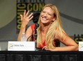 Anna Torv @ Comic Con 2012 - anna-torv photo