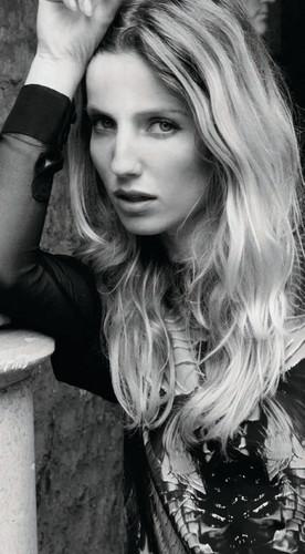 Annabelle Wallis