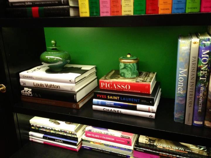 Blair 39 s office at waldorf designs season 6 blair for Office design book