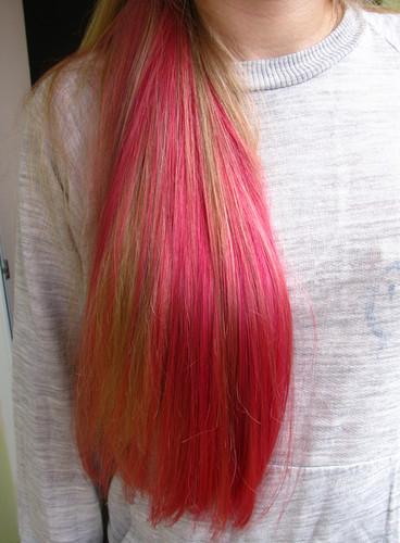Blond with merah jambu