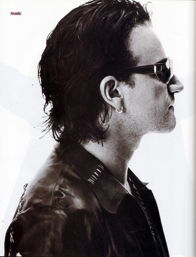 U2 wallpaper titled Bono (Details, November 2001)