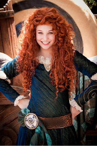 Merida - Legende der Highlands Hintergrund possibly with a fedora called Merida in Disneyland