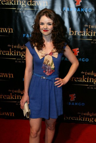 Breaking Dawn - Part 2 Comic-Con Party, Sponsored oleh Fandango