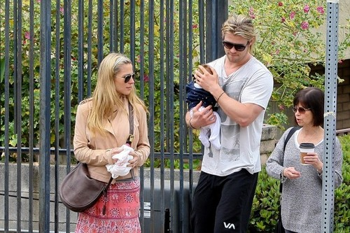 Chris Hemsworth Out With His Family