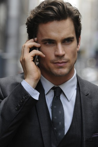 Fifty Shades Trilogy karatasi la kupamba ukuta with a business suit, a suit, and a pinstripe called Christian Grey ♥