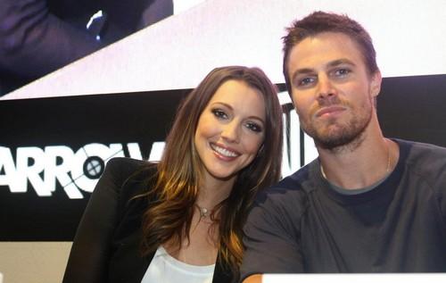 Comic-Con 2012: Arrow Signing
