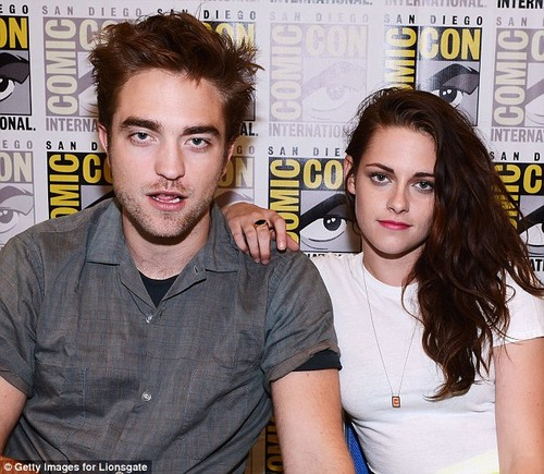 Comic-Con 2012 - robert-pattinson Photo