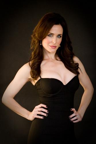 Danielle Bisutti as Neferet
