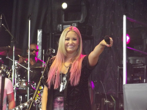 Demi Lovato - Live in Toronto (July 3, 2012)