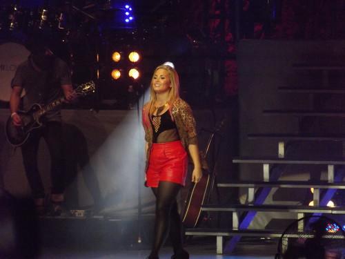 Demi Lovato - Live in Toronto (July 3, 2012)