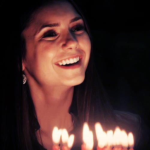 karakter wanita di tv wallpaper probably with a candle called Elena Gilbert