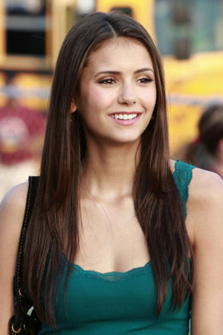 karakter wanita di tv wallpaper with a portrait titled Elena Gilbert