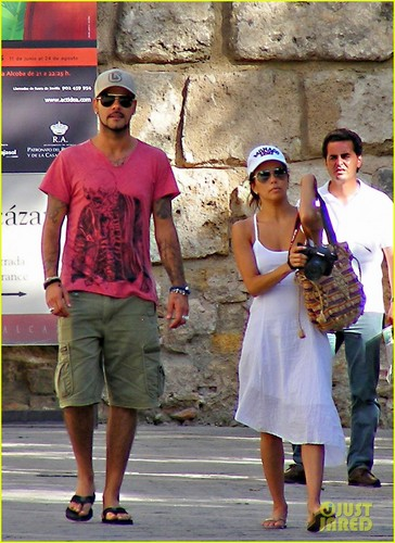 Eva Longoria wallpaper with a street called Eva and Eduardo enjoying the day together in Spain