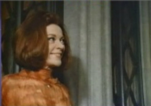 "Grayson Hall as Carlotta drake iin ""Night of Dark Shadows"" (1971)"