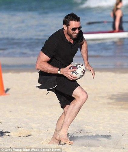 Hitting at Bondi Beach - hugh-jackman Photo