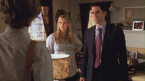 Hotch & JJ वॉलपेपर containing a business suit entitled Hotch & JJ // 4x06
