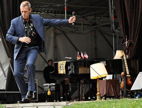 "Hugh Laurie संगीत कार्यक्रम at the ""Stadtpark Freilichtbühne"" - Hamburg 15.07.2012"