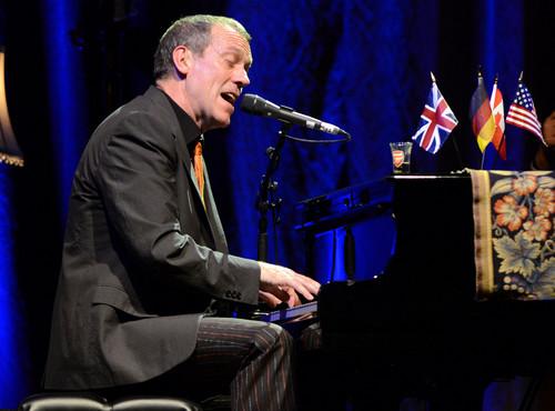 Hugh Laurie-concert in Tempodrom (Berlim) 14.07.2012
