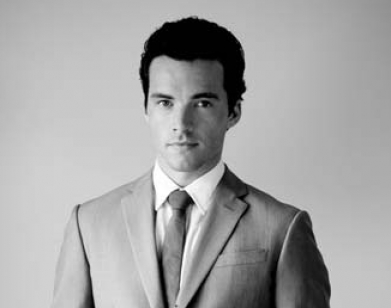 Pretty Little Liars TV دکھائیں پیپر وال with a business suit, a suit, and a double breasted suit entitled Ian Harding