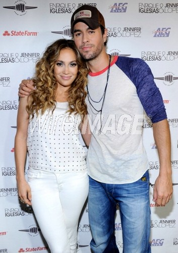 Jennifer & Enrique - jennifer-lopez Photo
