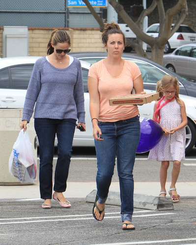 Jennifer Garner Has A Mommy/Daughter दिन [July 13]