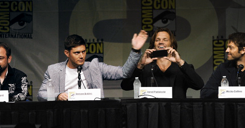 Jensen & Jared onstage at Comic Con