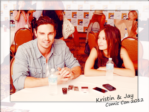Beauty and the Beast (CW) Обои possibly with a newspaper and a portrait titled Kristin Kreuk & сойка, джей Ryan