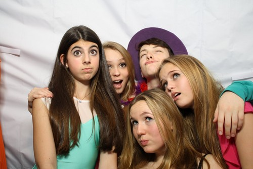 Lily Rose & Những người bạn