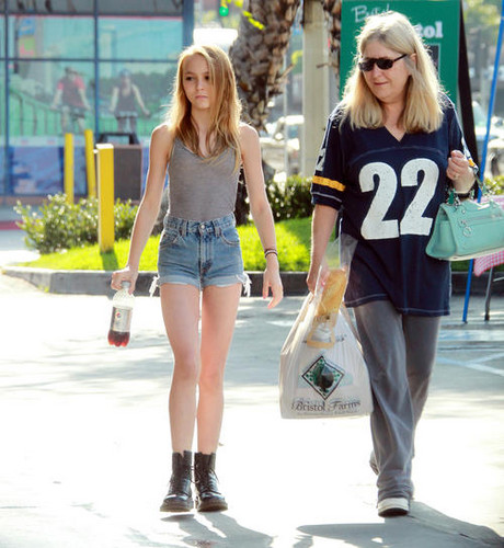 Lily Rose Melody Depp on California, Los Angeles 07.06.12