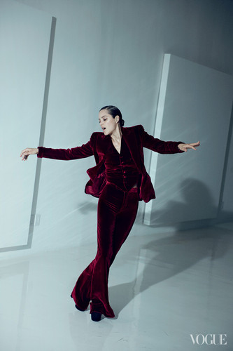 Marion Cotillard wallpaper containing a well dressed person entitled Marion Cotillard in the August 2012 Issue of Vogue (US)