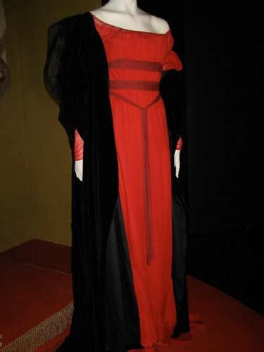 Mary's execution dress