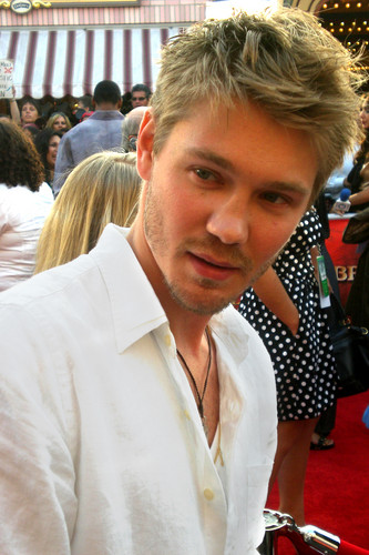 Chad Michael Murray wallpaper possibly with a brasserie entitled Michael Chad Murray