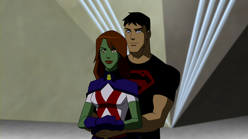 Miss_Martian_and_Superboy