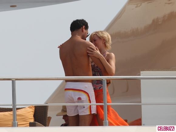 Naomi Watts Kisses Dodi Al Fayed Lookalike on Set