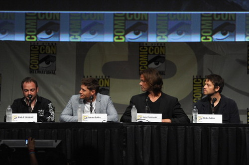 Jensen Ackles wallpaper entitled Panel at Comic-Con International 2012 - July 15th 2012