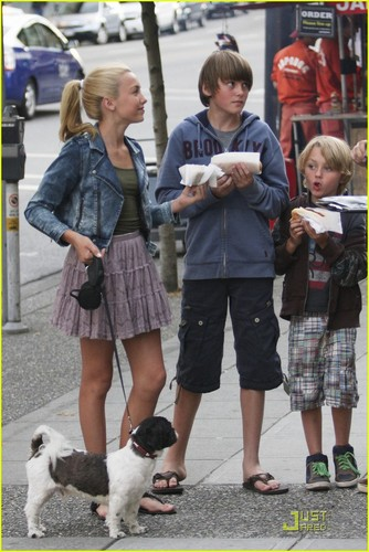 Peyton, Spencer, and Phoenix getting lunch