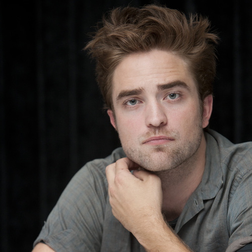 "photos of Rob at the ""Twilight Saga: Breaking Dawn, part 2"" press conference at SDCC 2012."