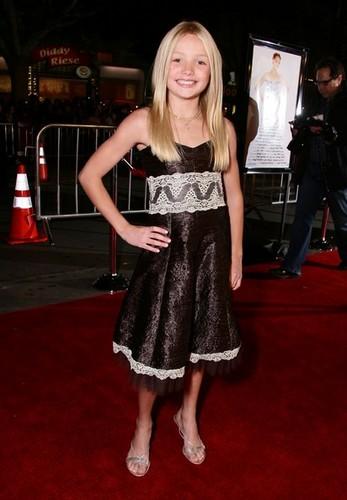 "Premiere Of 20th Century Fox's ""27 Dresses"" - Arrivals"