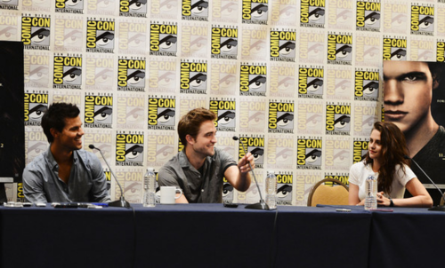 Robert&Kristen - Comic Con 2012 - July 12, 2012