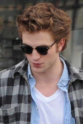 罗伯特·帕丁森 壁纸 with sunglasses called Robert Pattinson