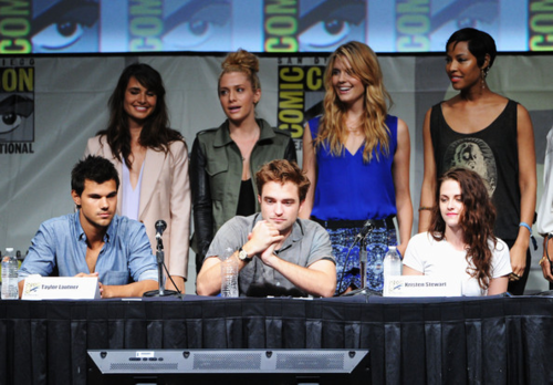 Robert - The Twilight Saga Breaking Dawn - Part 2 At San Diego Comic-Con 2012 - July 12, 2012 - robert-pattinson Photo