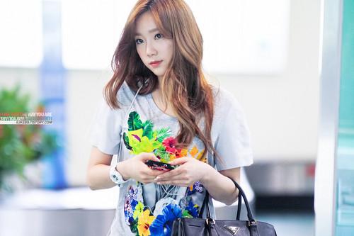 SNSD TaeYoonSic 120712 airport