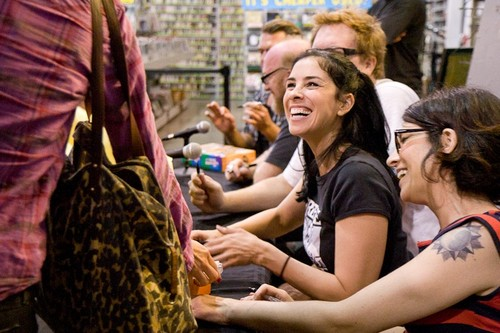 Sarah Silverman &amp; Cast siging at Amoeba Music  - sarah-silverman Photo