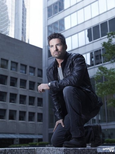 Season 2 - Cast Promotional picha - Warren Christie