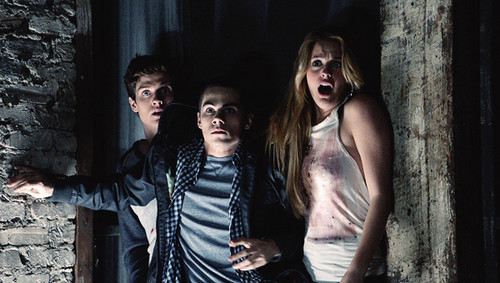 Season 2 | Ep. 8 | 'Raving' - teen-wolf Photo