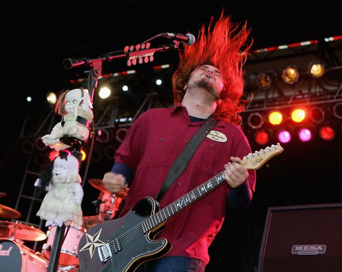 Seether wallpaper with a guitarist and a concert called Seether