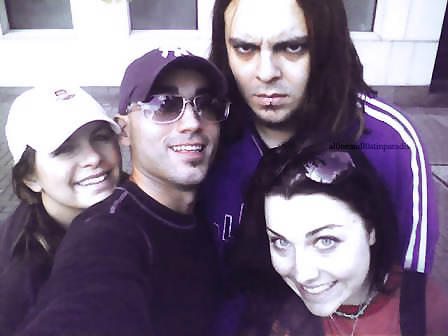 Seether wolpeyper containing sunglasses called Shaun morgan and Amy Lee <3 (with other people)