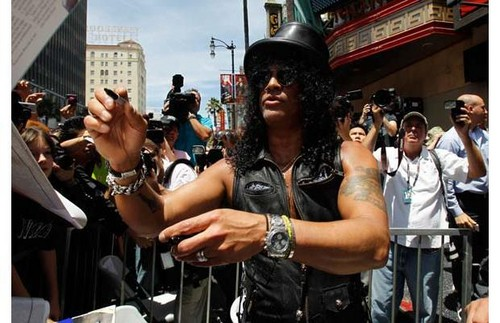 Slash Gets a bintang on the Walk of Fame
